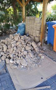 Gartensaison Waschbetonplatten und Rasengittersteine