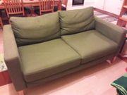Gut erhaltenes 2-Sitzer Sofa zu