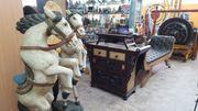 Elefanten Pferde Buddhafiguren Möbel