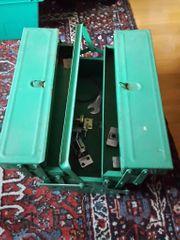 Werkzeugkasten zu verschenken