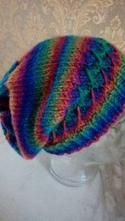Mütze Handarbeit Regenbogen