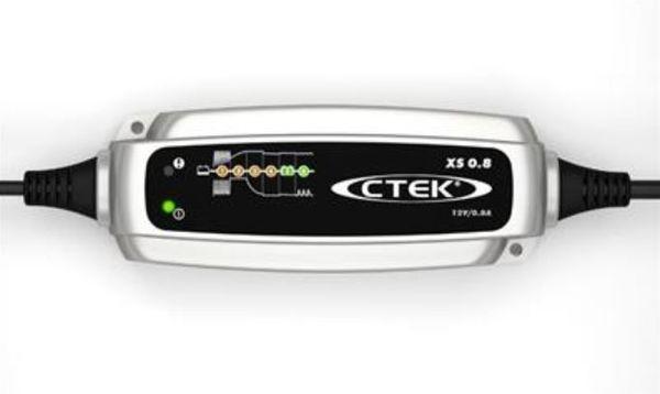 Neues Ladegerät Booster für Autobatterien