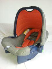 neuwertiger Kindersitz Babyschale