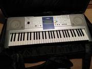 Yamaha Keyboard PSR E 323