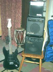 Verkaufe schwarzen Strat E-Gitarren mit
