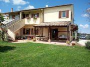 Doppelhaushälfte in Marche Italien von