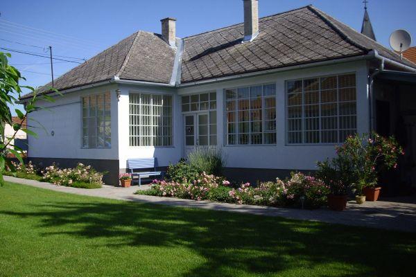 Haus SÜDUNGARN » Ferienhäuser, - wohnungen