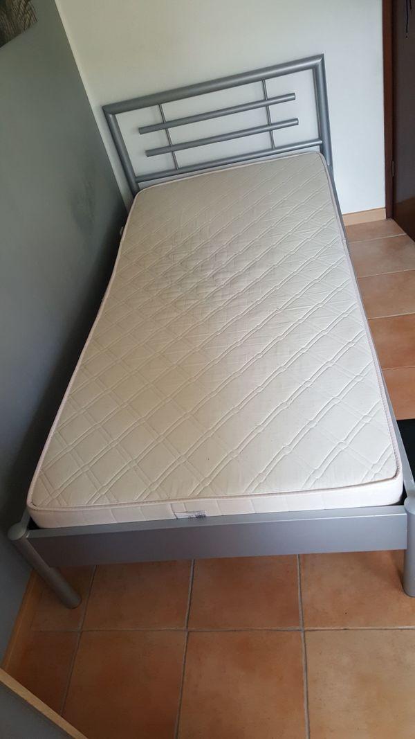 Metallbett, Bett, silber, Metall mit Lattenrost und Matratze in ...