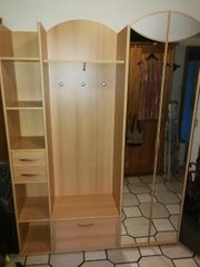 Garderobe Schrank