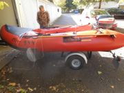Schlauchboot mit 25 PS Motor