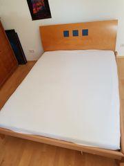 Bett aus Massivholz Furniert inkl