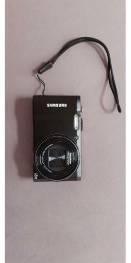 Kamera / Digitalkamera Samsung WB700 + Hülle + 2GB SD Karte