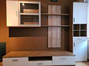 Gerbrauchte Wohnzimmer Möbel in einem