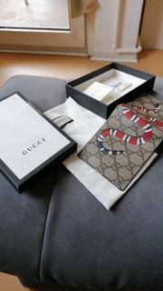 Gucci Brieftasche Schlange GG