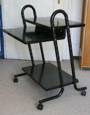Gebraucht, Computertisch, schwarz aus Metall mit Rollen gebraucht kaufen  München Neuhausen-Nymphenburg
