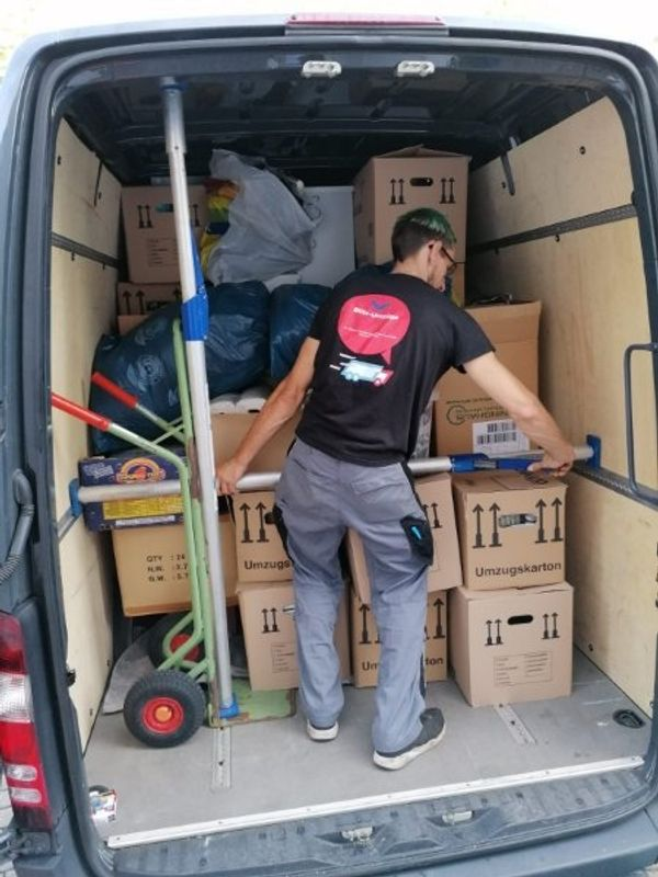 Blitz- Umzüge Transporte Wohnungsauflösung