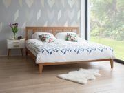 Holzbett beige Lattenrost 180 x
