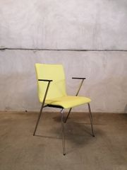 grüner Stuhl aus Kunstleder mit