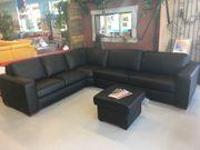 schöne Couch in Leder TOP