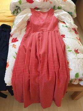 Dirndl mit 2 Schürzen Groesse: Kleinanzeigen aus Starnberg - Rubrik Damenbekleidung