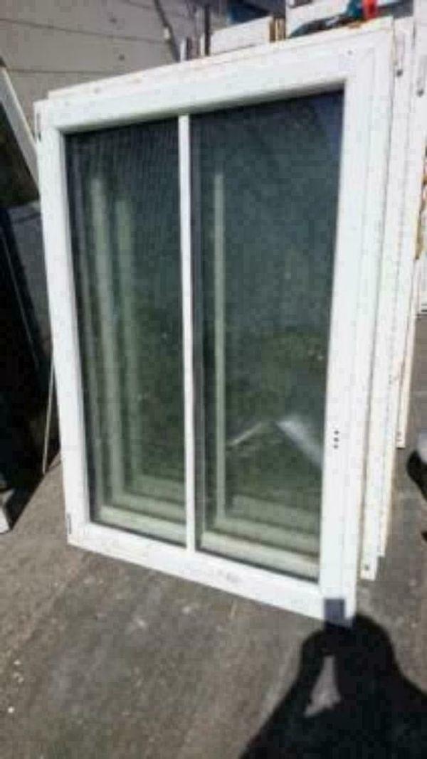 Kunststoff Fenster innen weiß außen