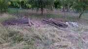 Brennholz Holzreste Balken an Selbstabholer