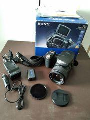 Sony Cybershot DSC-R1 Kamera mit