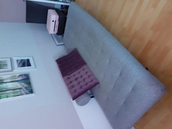Zweier Couch mit Lattenrost zum Schlafen