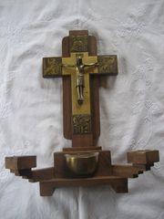 Jesus Messing am Holzkreuz mit