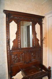 Garderobe mit Spiegel antik