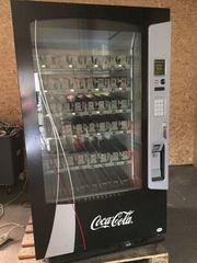 Getränkeautomat Kaltgetränkeautomat mit Lift Geldeinwurf