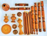Holz-Drechsel-Teile von uralten Lampen und