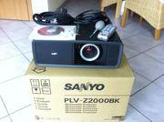 Sanyo PLV-Z2000 LCD Projektor