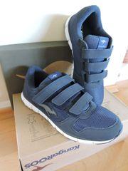 Sportschuhe/ Sneakers von