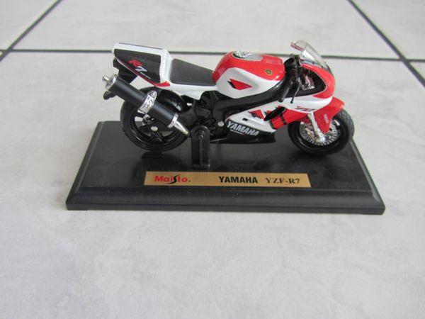 Halter Verkleidung vorne links Yamaha YZF R1 RN12 2004-2006