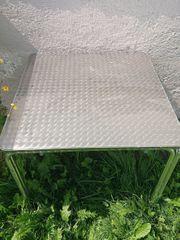 Stabile Tische
