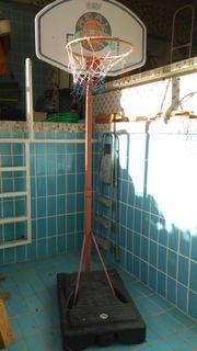 vielseitigen Basketballkorb mit Ständer fahrbar