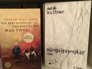 neuwertige Bücherpakete