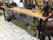 Metall Verkaufstisch mit massiver Buchelholz