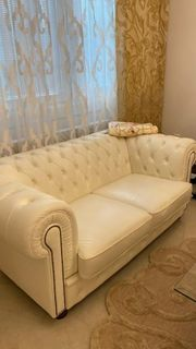 2 Ledersofas Chesterfield Weiss