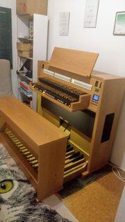 Biete Klavier- Orgel- und Gesangsunterricht