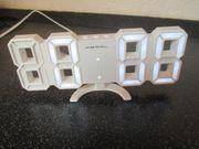 Kompakte USB-LED-Tisch- und Wanduhr 7-Segment-Ziffern
