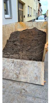 Sauberer Mutterboden Erde zu verschenken