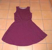 NEUES wunderschönes weinrotes Kleid Größe