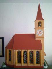 Handgearbeitete Kirche