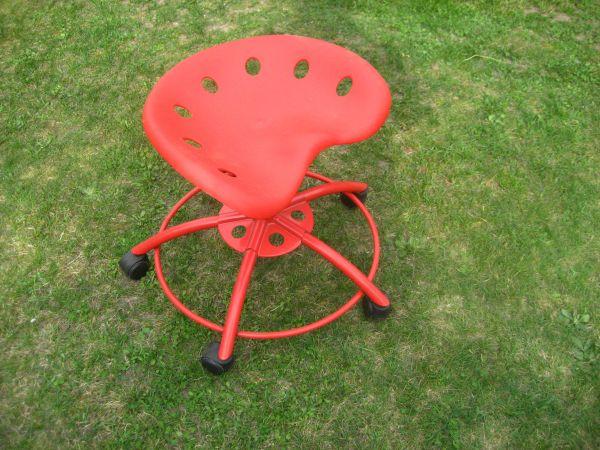 Bürostuhl Stuhl Schalenstuhl Rot Auf Rollen Kunststoff Metall