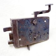 Altes Türschloss funktionsfähig mit Schlüssel