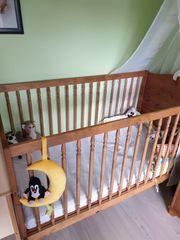 komplettes Baby- Kinderzimmer