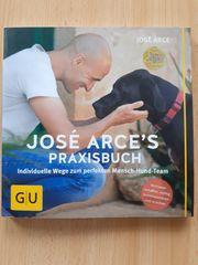 Praxisbuch Hund