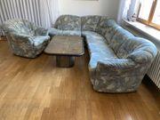 Wohnzimmer - Couch - Landschaft Couchtisch an